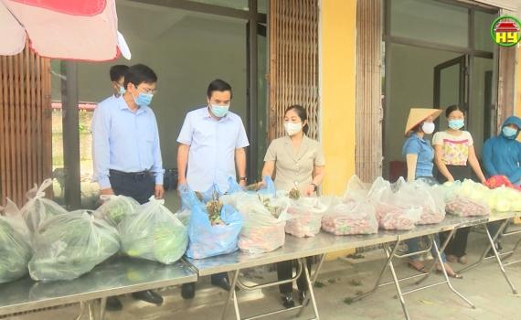 Nhiều đơn vị, doanh nghiệp trong tỉnh chung tay hỗ trợ tiêu thụ vải cho nông dân tỉnh Bắc Giang
