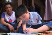 Em Nguyễn Văn Tài học sinh khuyết tật nỗ lực vượt khó học giỏi