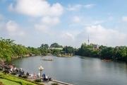 Hưng Yên: Đua thuyền trên hồ Bán Nguyệt mừng ngày Quốc khánh