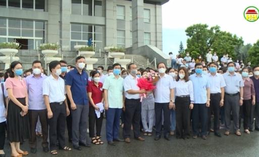 500 cán bộ, y tế tỉnh Hưng Yên tình nguyện lên đường hỗ trợ thủ đô Hà Nội chống dịch