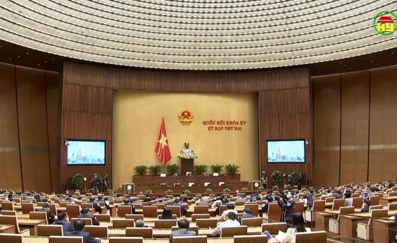 Quốc hội tiếp tục thảo luận ở tổ